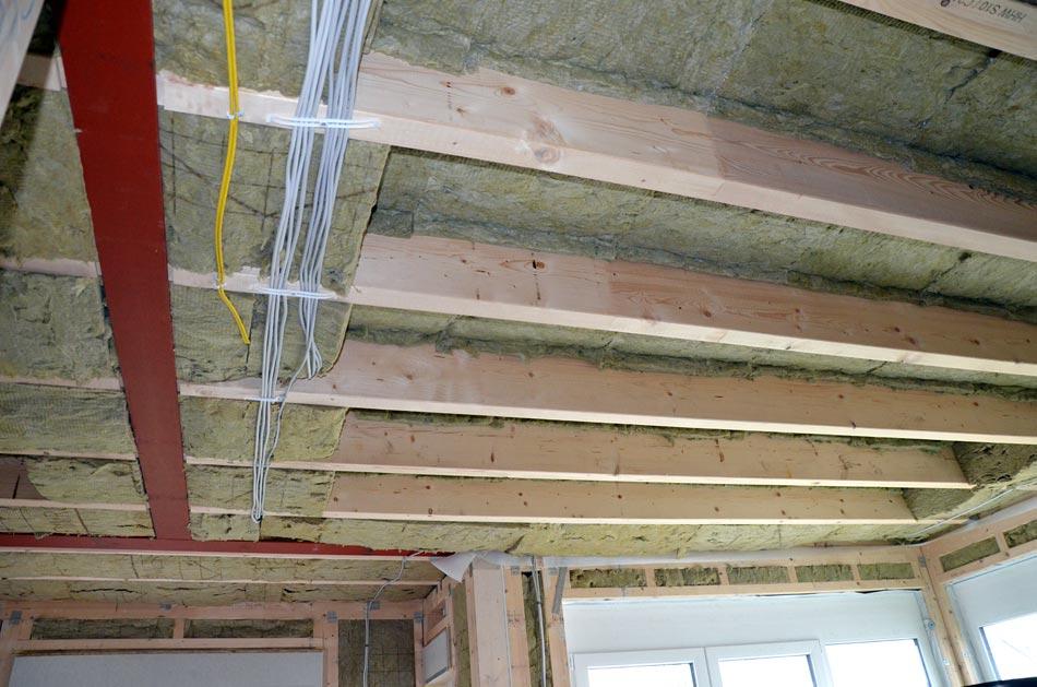 Dämmung Wohnzimmerdecke mit Stahlträger