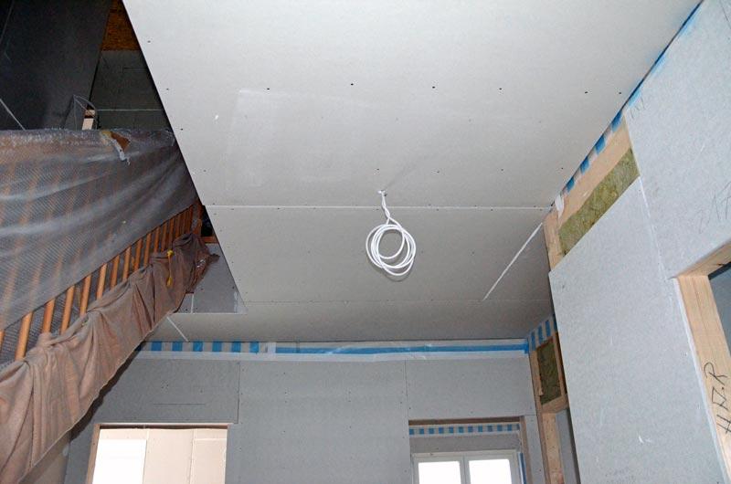 Rigipsdecke im Erdgeschoss-Flur
