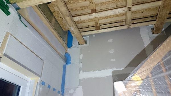 Palettengerüst im Treppenhaus (Unterseite)