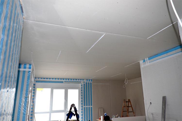 Rigips an Wohnzimmer-und Küchendecke