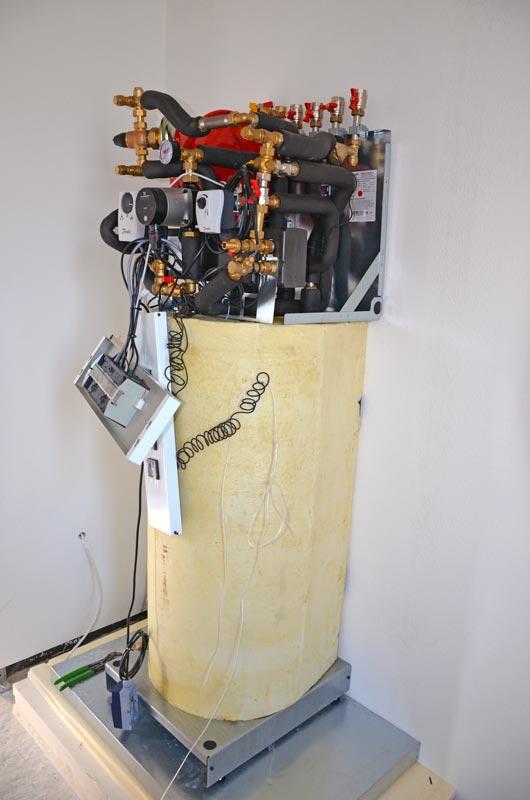 Nahwärme Übergabestation mit integriertem Warmwasserspeicher