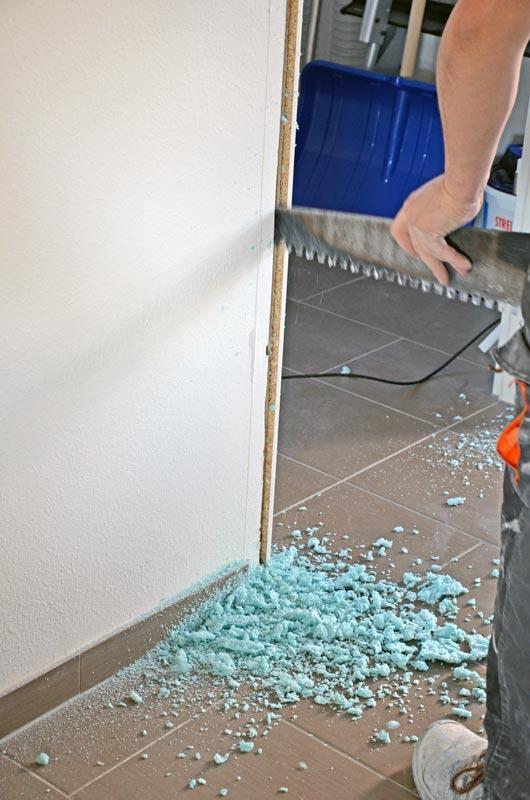 Demontage der falsch gesetzten Hausanschlussraumtür
